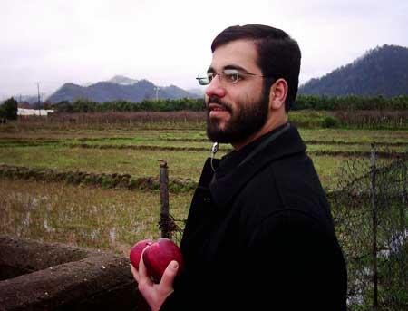 حسین سیب سرخی