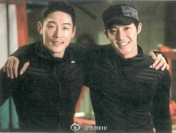 Kim Hyun Joong Pics in Backstage Of Their Programmers And His Freinds