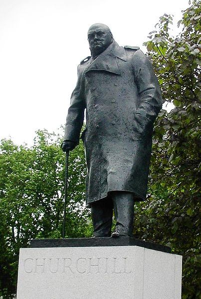 403px_Winston_Churchill_statue_in_London