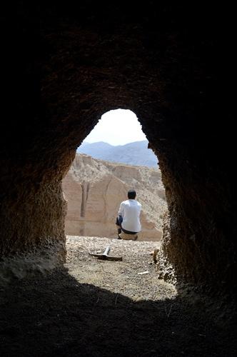 چشمه ی مرتضا علی- خانه گبرهای اول مسیر- پناهگاه گوسفندان