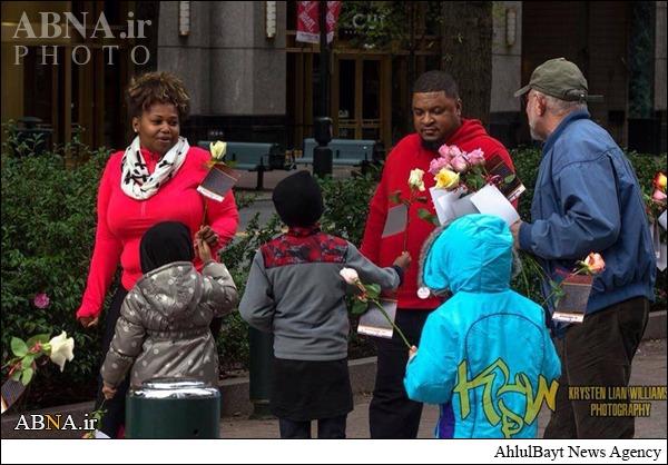 هدیه گل شیعیان مقیم فرانسه به غیرمسلمانان پاریس