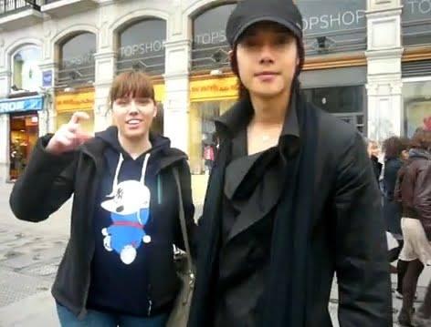 Hyun Joong in Spain Street 2010.04.13