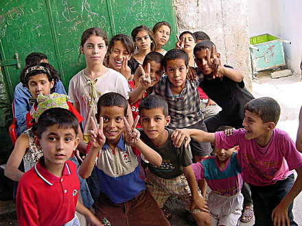 [تصویر: Palestinian_children_in_Jenin.jpg]