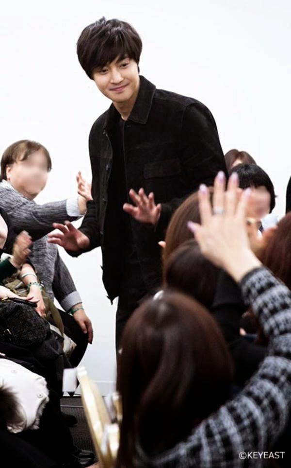 [Photo] Kim Hyun Joong - Japan Mobile Site Update [15.04.20]