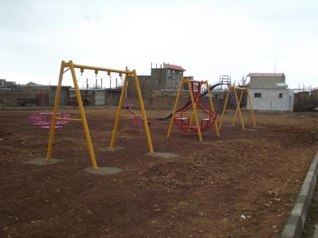 نصب مجموعه بازی در پارک شهر واقع در خیابان امام