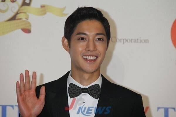 Korean Entertaiment 10th Anniversary Awards in Japan Med 13.10.19