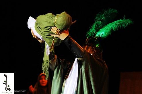 نمایش شوق حضور روایتگر 10 پرده از واقعه عاشورا کاری از گروه هنری حنانه