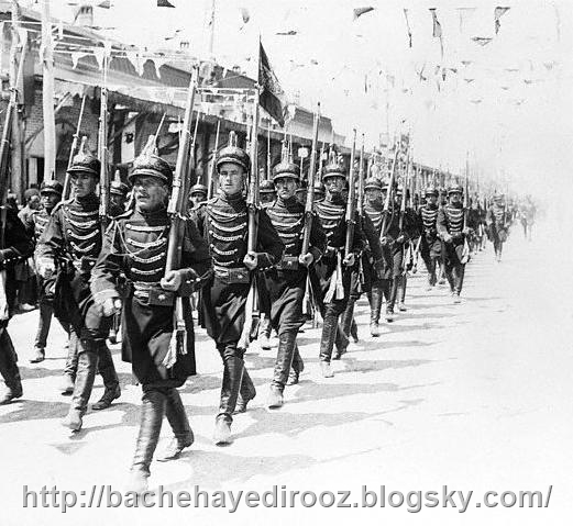 http://s6.picofile.com/file/8186242892/Iranian_soldiers_march_in_the_capital_Tehran_on_the_day_of_Reza_Shah_Pahlavi_s_coronation_in_1926.jpg