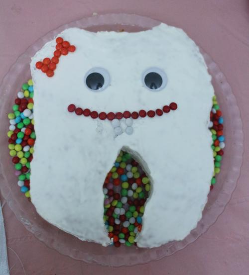 کیک دندان نفیس پز جشن دندونی حلما گلی