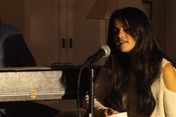 دانلود موزیک ویدیو Hold On از سلنا گومز و Ben Kweller