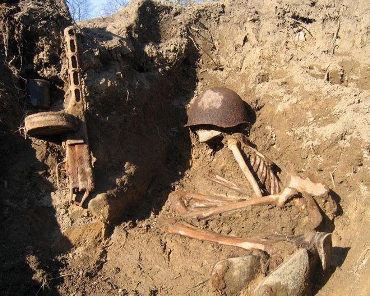 تصويري از سرباز كشته شده، جنگجهانی دوم - او يك روس بود