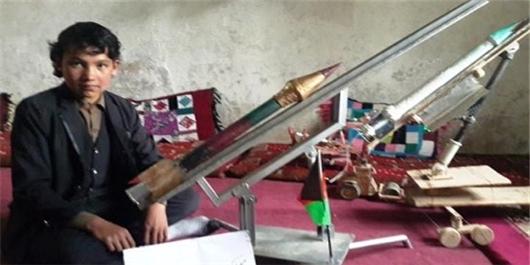 ساخت موشکی با برد 4کیلومتر توسط مخترع نوجوان هزاره بامیانی