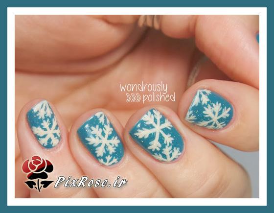ناخن آبی با دونه های برف
