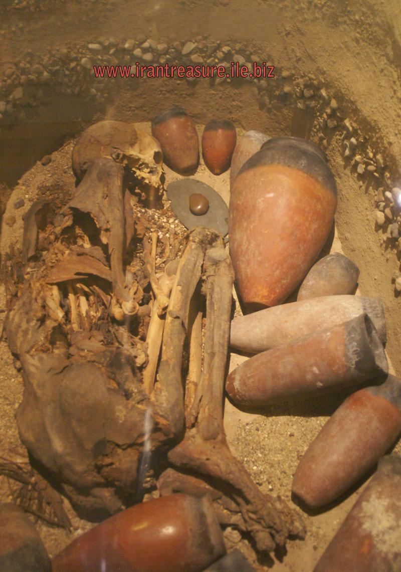 mezar6 قبرهای باز شده   عکس