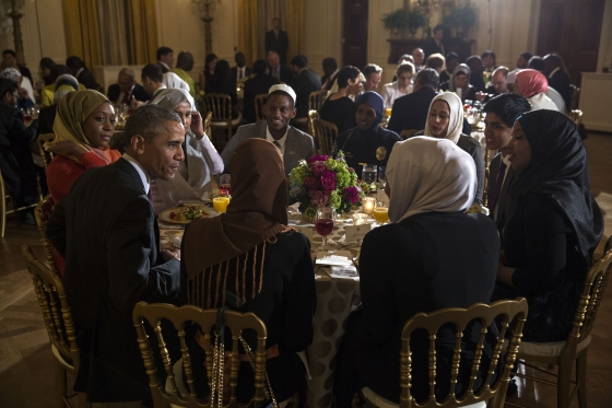 http://s6.picofile.com/file/8195608300/iftar_dinner.jpg