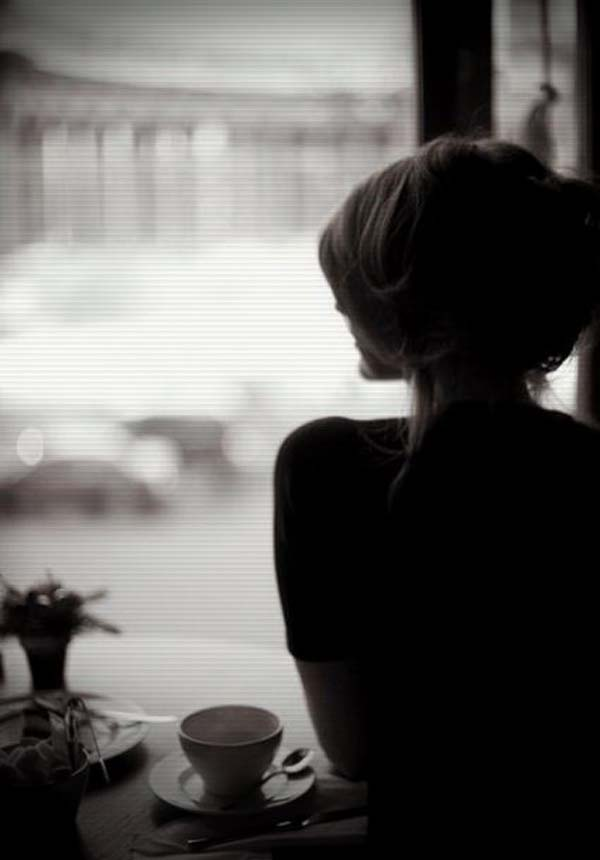 دخترک تنها