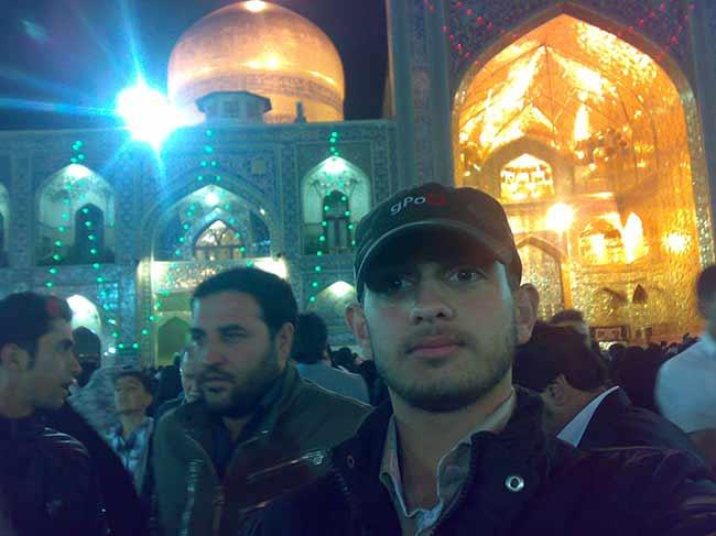 شهید محمّد علی دولت آبادی درحرم حضرت عبدالعظیم حسنی