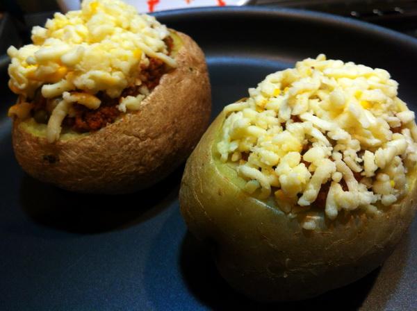 پنیر روی سیب زمینی
