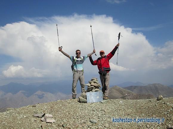 گروه نشاط زندگی - قله هفت خوانی