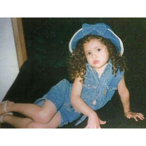 عکسی از کودکی سلنا گومز!