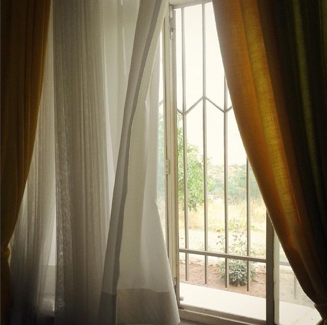 پنجره و پرده