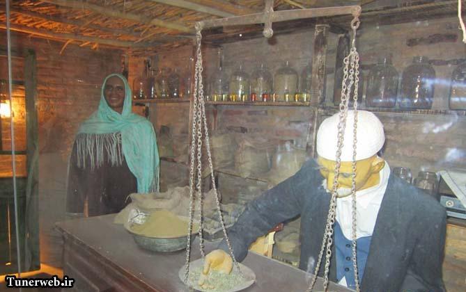 تصویری از غرفه عطاری موزه مردم شناسی شهرستان کلات نادر