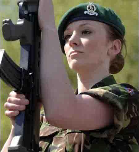 باربی جنگجو انگلیسی در عراق می جنگد , جالب وخواندنی