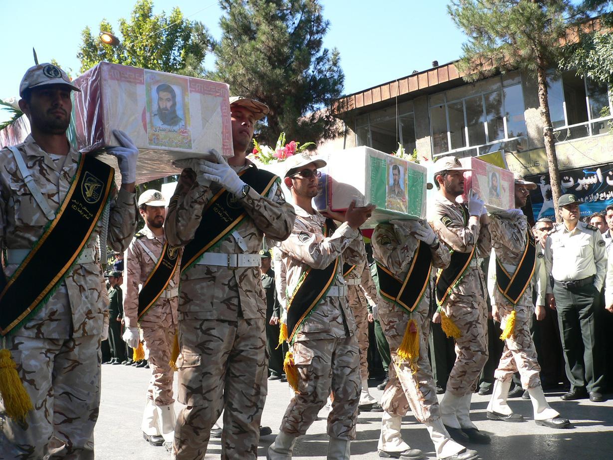 تشیع پیکر 3 تن از شهیدان شهرستان نیشابور