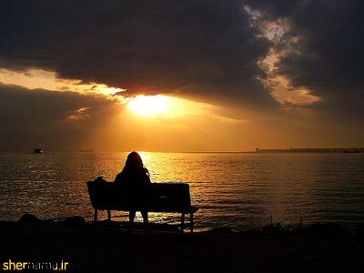 عکس تنهایی و انتظار لب دریا