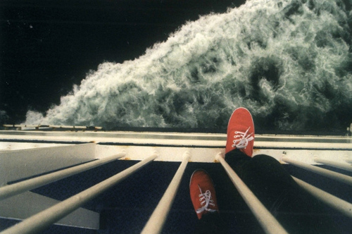 http://s6.picofile.com/file/8206681168/jump_ocean_sea_shoes_suicide_view_Favim_com_47864.jpg