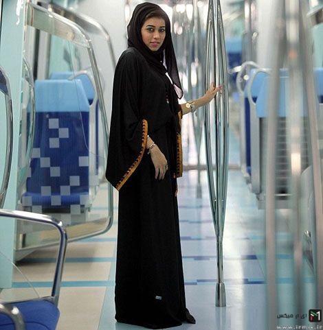 تنها دختر جوانی که در ایران مترو میراند