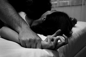 دختر 20 ساله پس از تجاوز 4 مرد، خودکشی کرد , حوادث