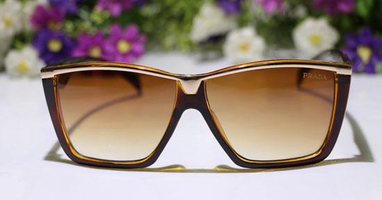 قیمت عینک آفتابی اصل prada کت آیز