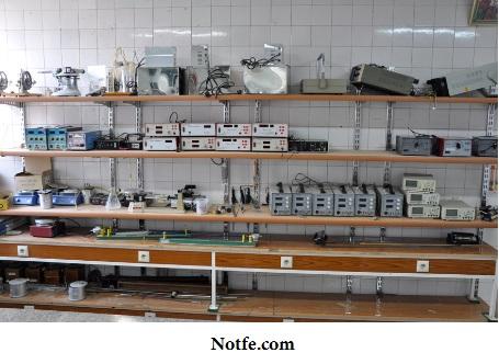 نمایی از کارگاه ساخت برد کنترلر دستگاه های جوجه کشی