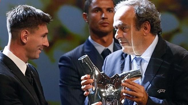 ناراحتی رونالدو از جایزه بردن لیونل مسی +عکس , اخبار ورزشی