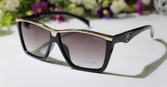 خرید عینک آفتابی فلت پرادا آیز