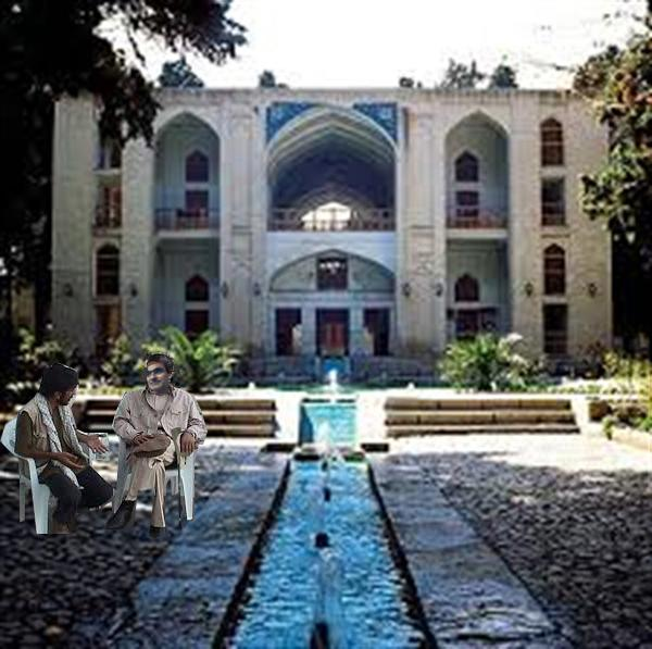 خبرنگار باشگاه خبرنگاران در باغ فین کاشان