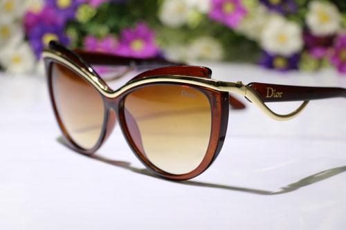 عینک زنانه قهوه ایی ورساچه طرح ارکید 2015