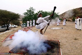 گزارش  تصویری از تفریح عجیب جوانان عرب