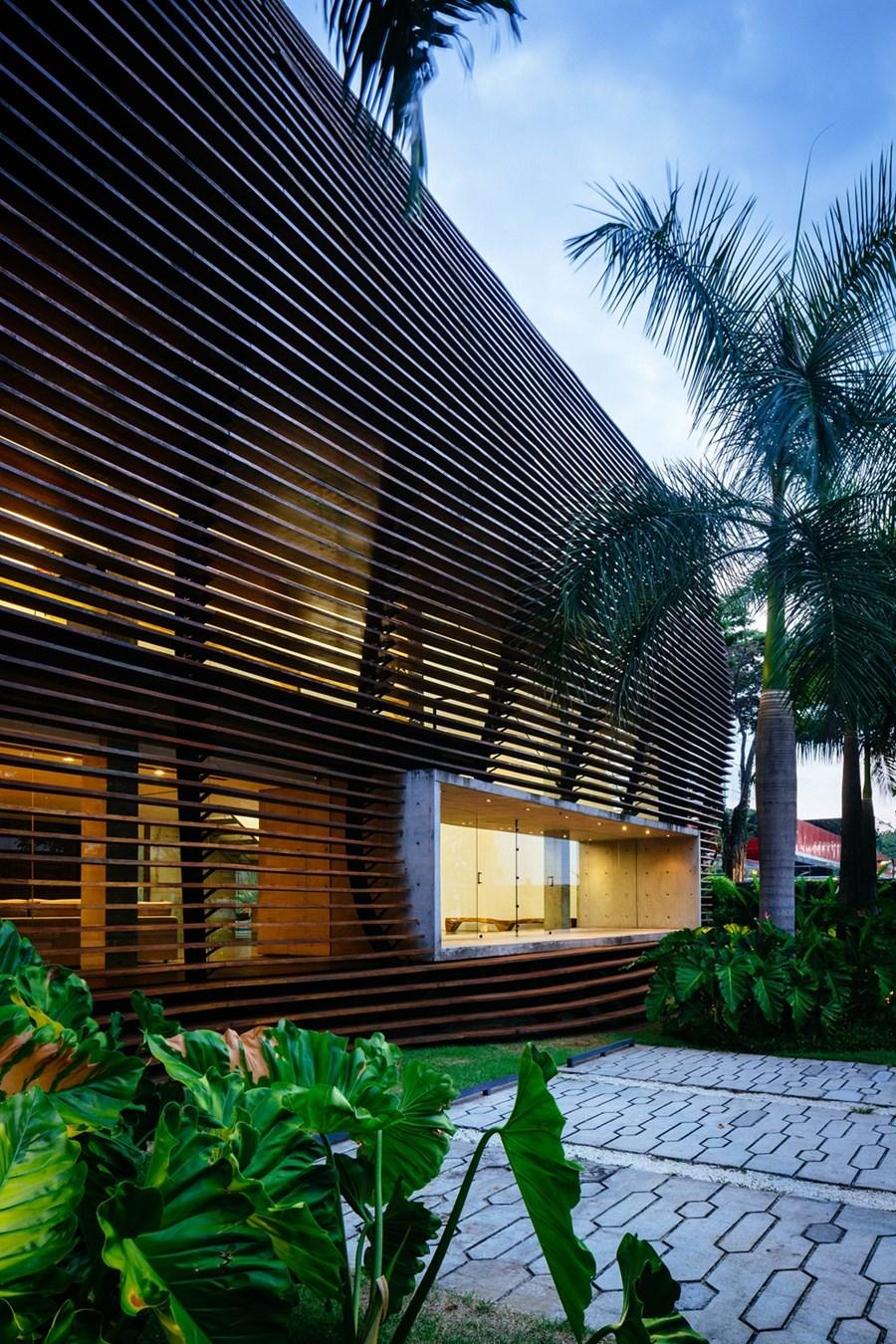 نما و معماری خاص ساختمان تجاری در بزریل