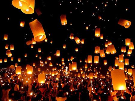 لوی کراتونگ یا جشن ماه کامل در تایلند