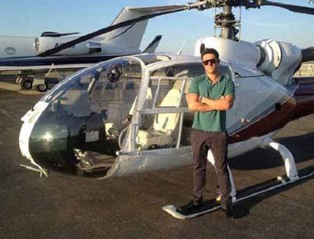 تصاویری از هلیکوپتر شخصی  گلزار , عکس بازیگران