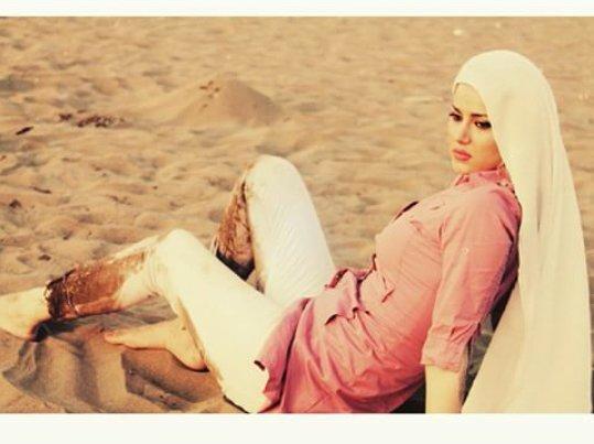 http://s6.picofile.com/file/8219793984/www_bartarpix_ir_sohila_hadizadeh_1_.jpg