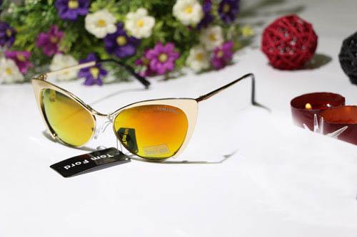 فروش اینترنتی عینک زنانه تام فورد چیتا