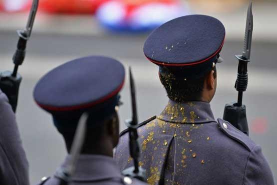 استقامت تهوع آور یک سرباز را ببینید + عکس , جالب و خواندنی