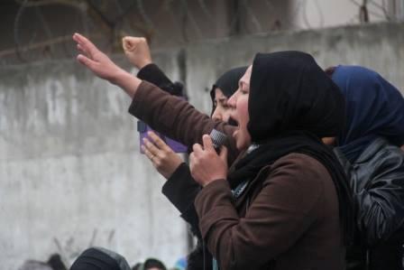 نمایندگان معترضان در برابر ارگ ریاست جمهوری هشدار داده که اگر مذاکرات آنها با هیات حکومت نتیجه نده�