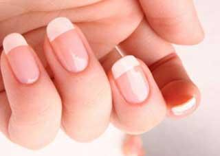 عوارض استفاده از لاک ناخن و پاک کننده های آن , آرایش و زیبایی