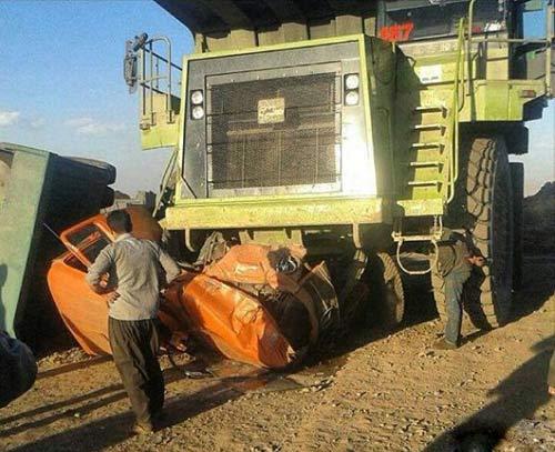 له شدن کامیون در معدن کرمان , حوادث