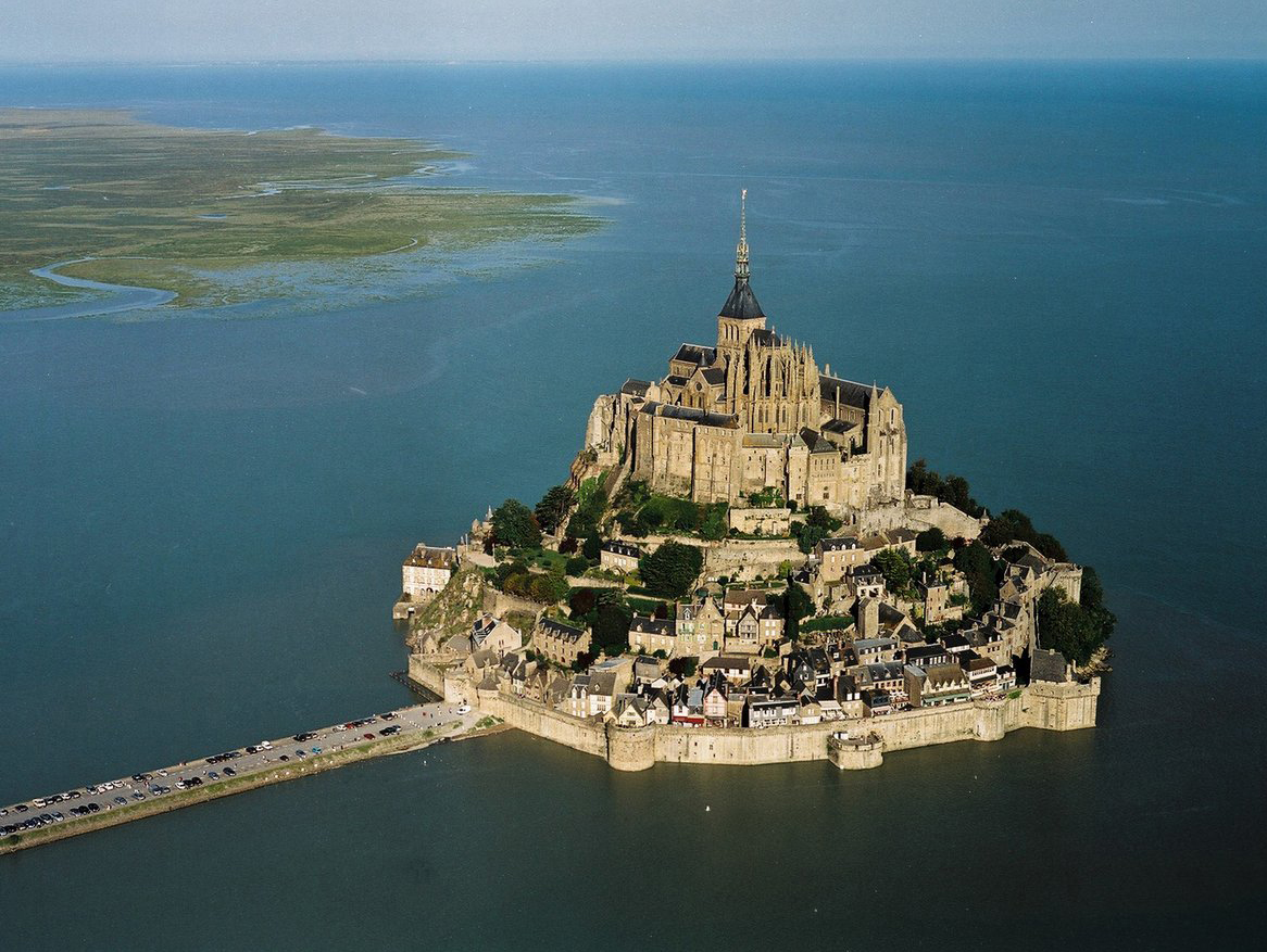 -Mont Saint-Michel, Normandy - خیالبافی