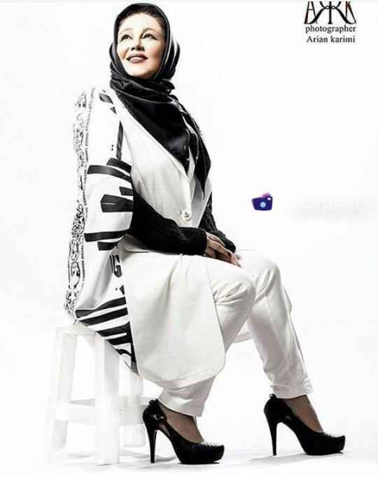 http://s6.picofile.com/file/8225149384/www_bartarpix_ir_behnoosh_bakhtiari_azar_94_4_.jpg